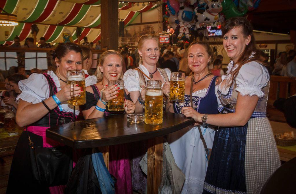 Zum letzten Mal wurde für dieses Jahr auf dem Frühlingsfest im Wasenwirt-Festzelt gefeiert.  Foto: 7aktuell.de/Daniel Boosz
