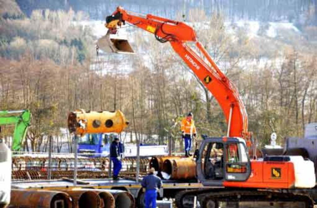 An der Trasse wird bei Aichelberg schon gebaut – manche Frage ist noch offen. Foto: dapd