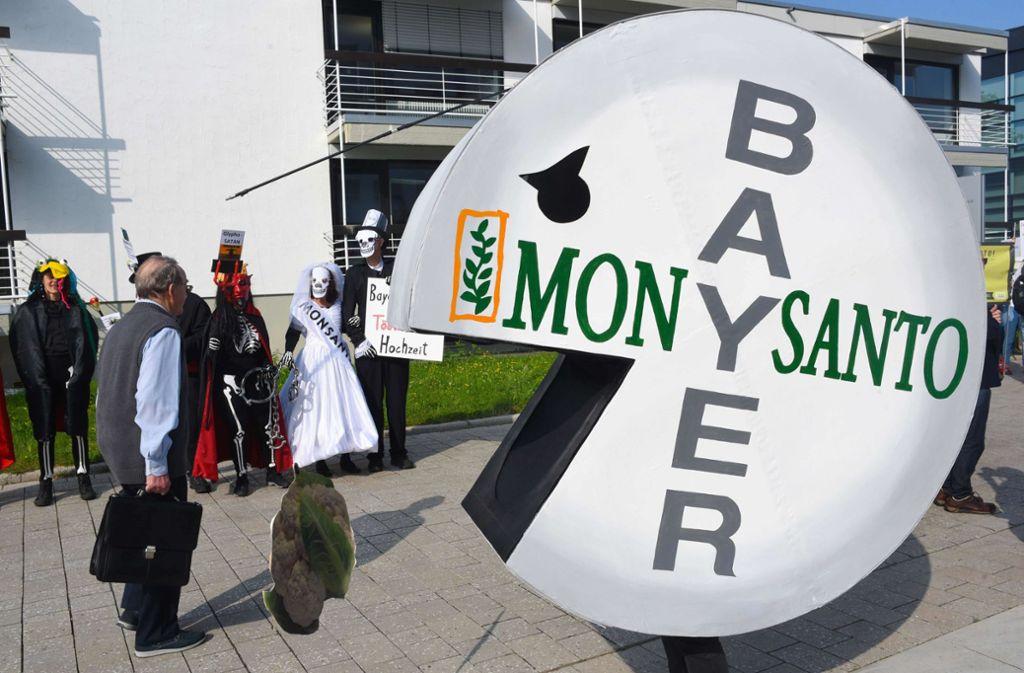 Bayer und Monsanto – bisher keine glückliche Verbindung. Foto: AFP