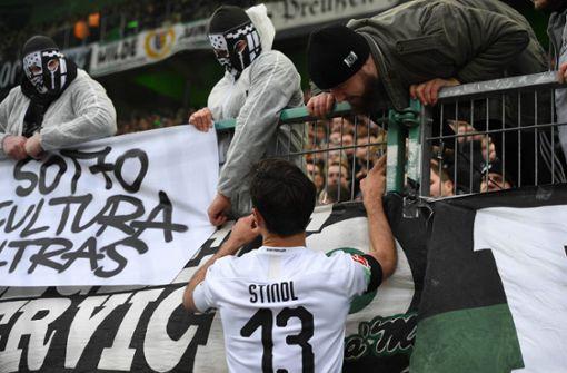 Gladbach-Fans beleidigen Hopp - Schiedsrichter unterbricht Spiel
