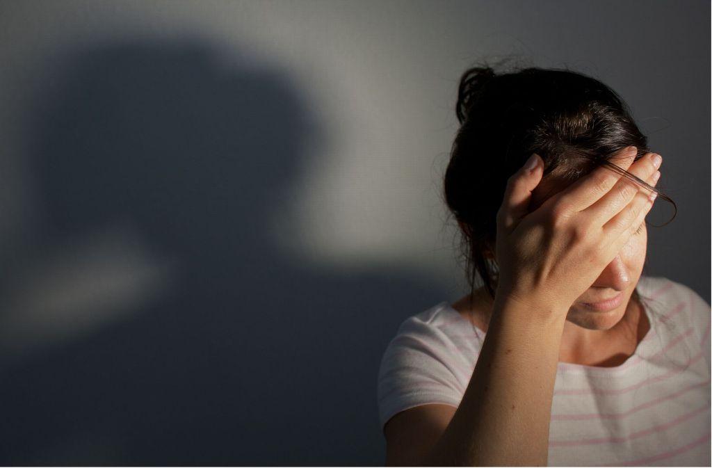 Migräne kann das Leben der Betroffenen stark beeinträchtigen (Symbolfoto). Foto: dpa-Zentralbild