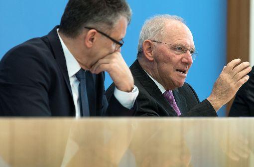 """Kabinett billigt Schäubles """"schwarze Null"""""""