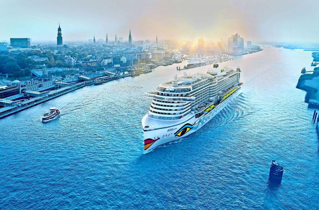 Die Aida Prima (im Bild in Hamburg) gehört zur Flotte des größten deutschen Kreuzfahrt-Anbieters. Foto: Aida Cruises