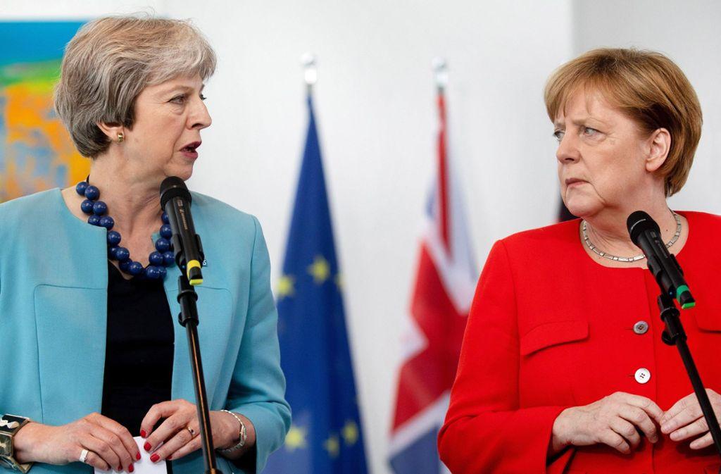 Die britische Premierministerin May kommt am Dienstag zu Merkel nach Berlin Foto: dpa
