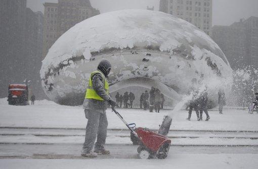 Heftiger Blizzard fegt über Chicago