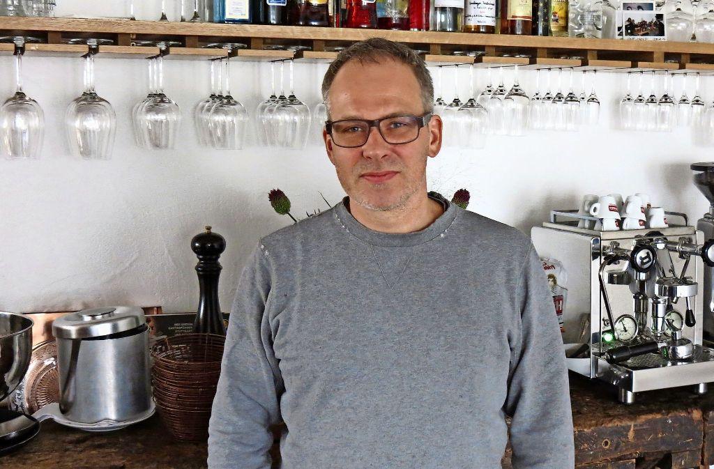 Thomas Brenner macht fast alles selbst in seinem Restaurant. Foto: Julia Bosch