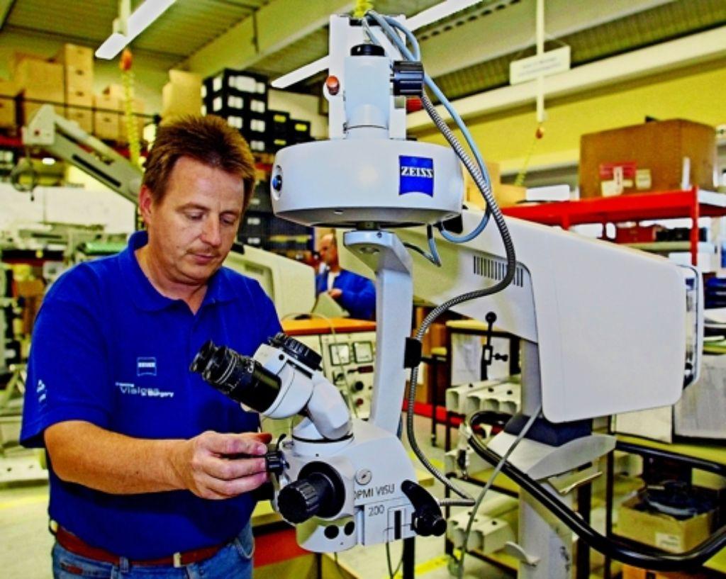 Der Optiker Zeiss feiert einen deutlichen Gewinn. Foto: dpa