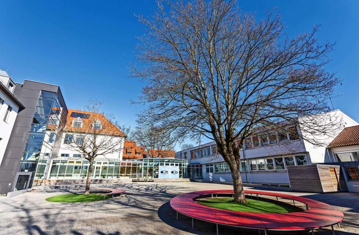 Um Platz für mehr Klassen zu schaffen, soll die Echterdinger Zeppelinschule erweitert werden. Foto: Archiv/Thomas Krämer