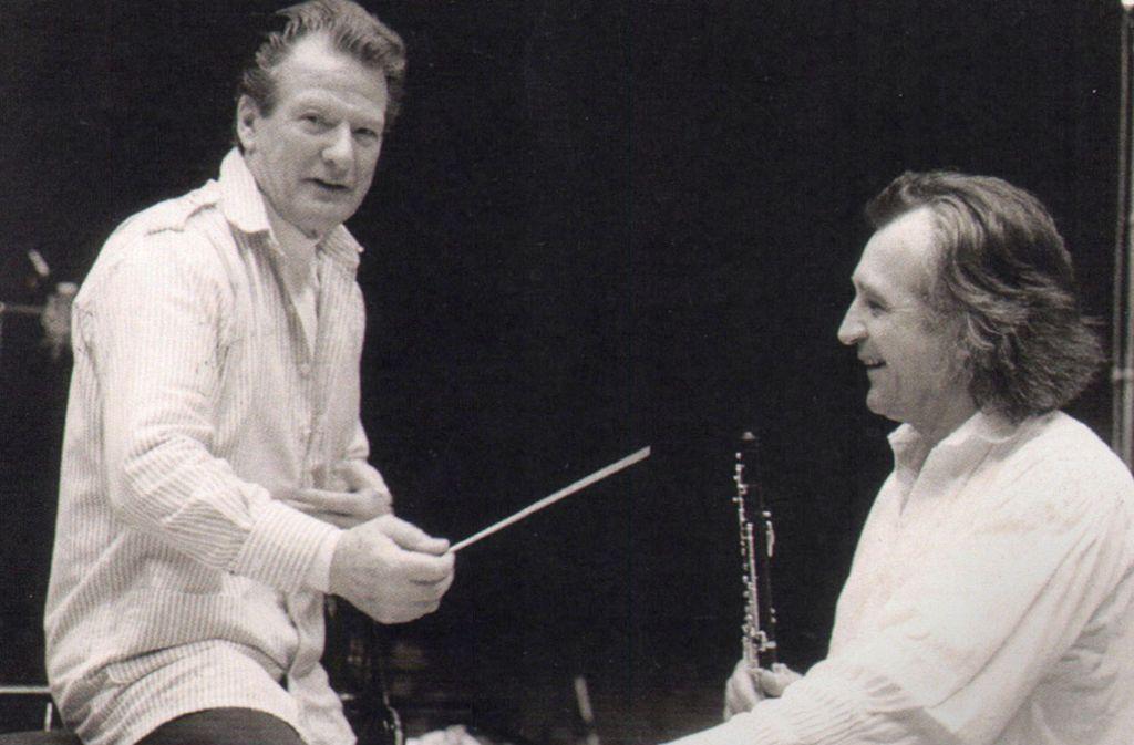 Lajos Lencsés (re.) beim Sinfonieorchester des Süddeutschen Rundfunks Mitte der 80er Jahre mit dem Chefdirigenten Sir Neville Marriner Foto: Lencsés