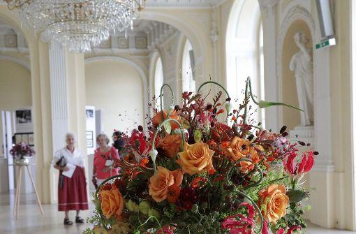 Floristmeister zeigen ihre floralen Kunstwerke