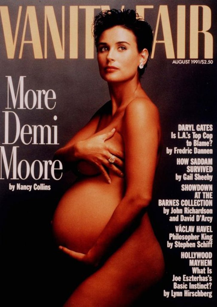 Demi Moore war 1991 die erste, die es wagte nackt und hochschwanger auf einem Magazincover zu erscheinen. Starfotografin Annie Leibovitz lichtete die damals 28-Jährige für die Vanity Fair ab. Wenig später brachte die Schauspielerin ihre Tochter Scout LaRue zur Welt. Foto: AP/VANITY FAIR