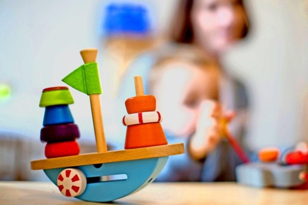 Das ist ein Schiff. Wie Kinder Gegenstände und Wörter zusammenbringen, ist ein Thema des Kongresses. Foto: dpa