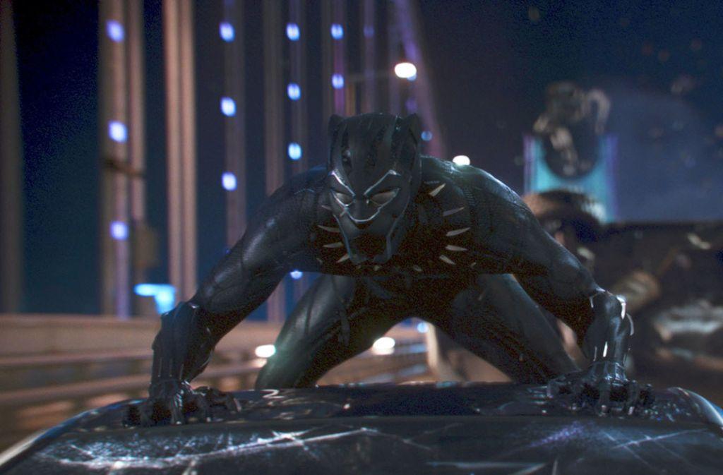 Will im afrikanischen Staat Wakanda die Macht übernehmen: Superheld Black Panther. Foto: Marvel Studios/Disney