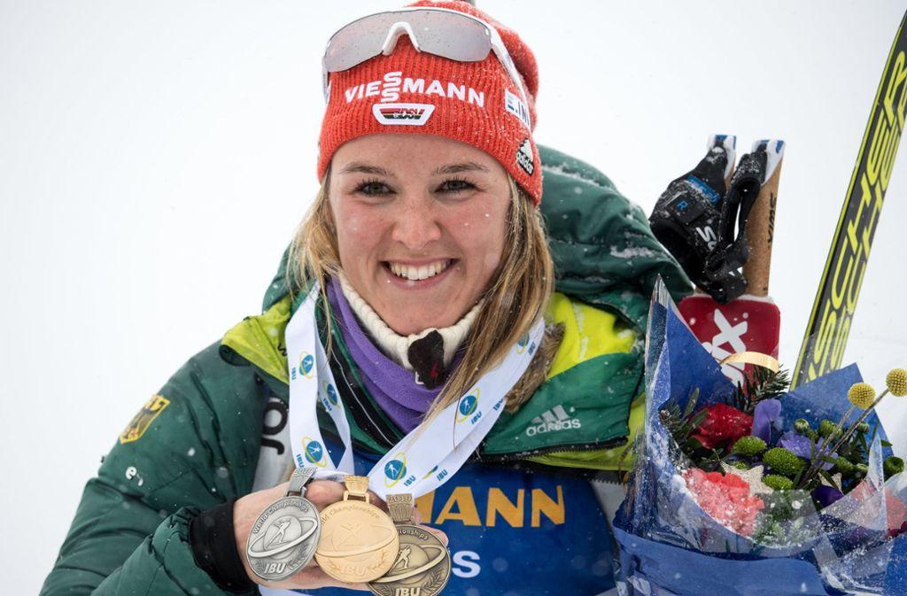 Denise Herrmann hat bei der Biathlon-WM in Östersund einen ganzen Medaillensatz gewonnen. Foto: dpa