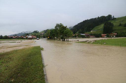 Heftige Unwetter in Teilen Bayerns - ein Toter