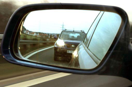 SUV-Lenker gefährdet Auto- und Rollerfahrer