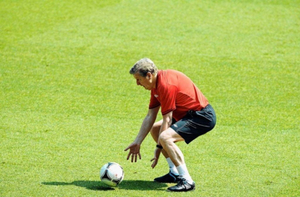 Trainer Roy Hodgson macht auch keinen fitten Eindruck Foto: dpa