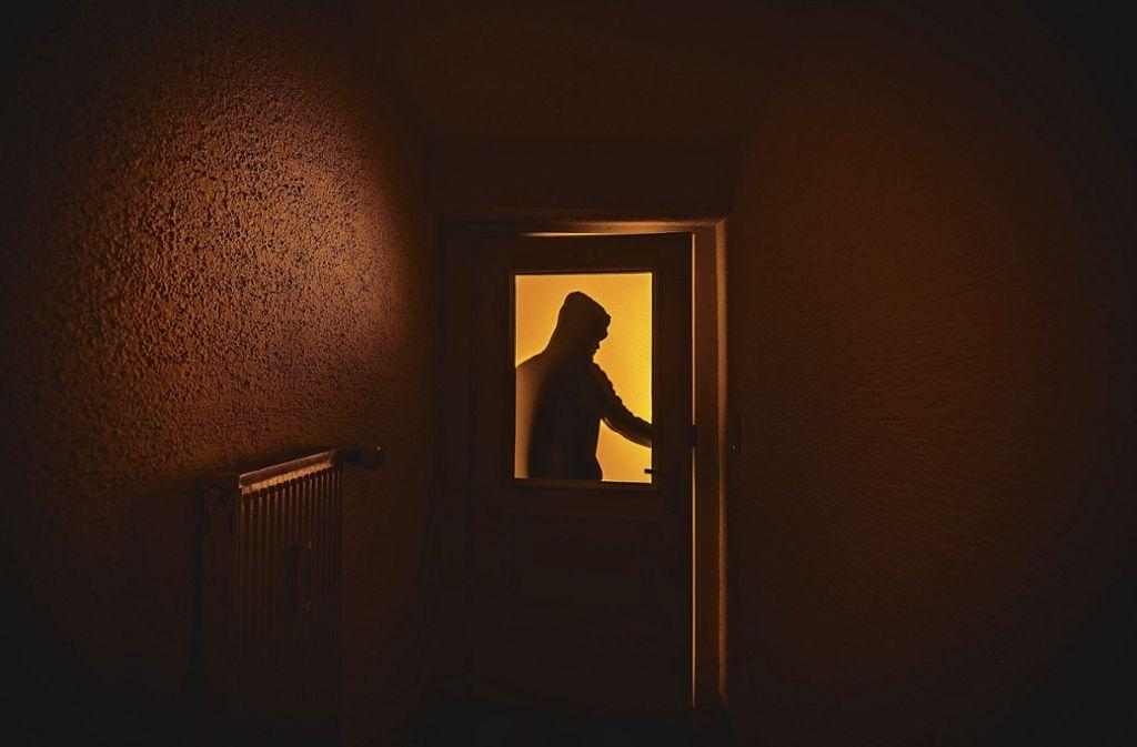 Die Täter brachen in eine Gaststätte in Stuttgart-Feuerbach ein. (Symbolbild) Foto: dpa/Nicolas Armer