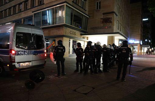 Neues Phänomen: Solidarisierende Gruppen stellen sich gegen die Polizei