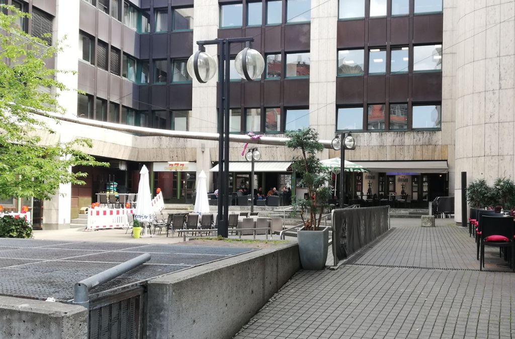 Am  Josef-Hirn-Platz in Stuttgart-Mitte befinden sich Casinos und Shisha-Bars. Foto: Cedric