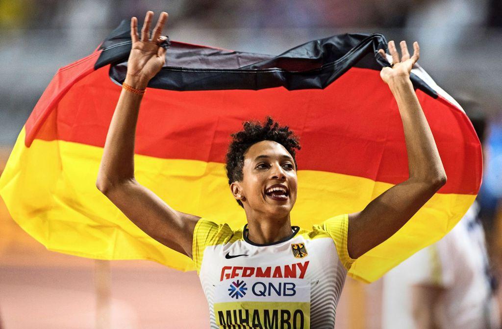 Unter deutscher Flagge: Malaika Mihambo startet weiter für den DLV, sucht aber neue Wege für sich. Foto: dpa/Oliver Weiken