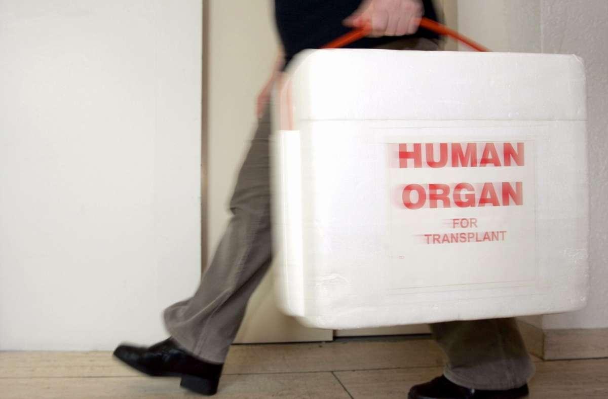 Auch während der Pandemie fanden in Deutschland Organtransplantationen statt. (Symbolbild) Foto: dpa/A3472 Frank May