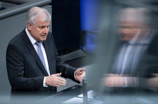 """Seehofer warnt vor neuer """"Flüchtlingswelle"""""""