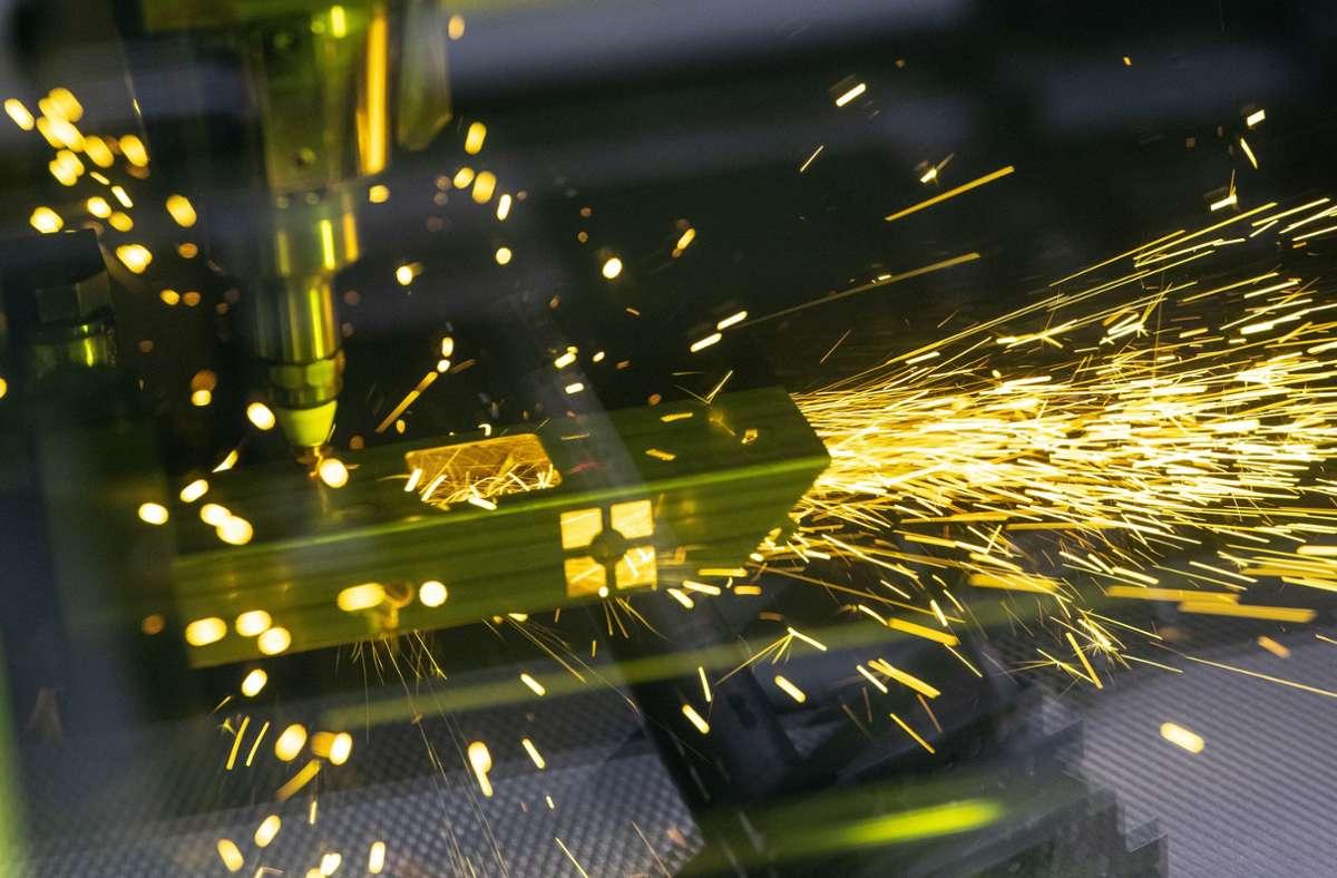 Ein Laser-Schneider bei Trumpf in Ditzingen (Archivbild) Foto: picture alliance/dpa/Fabian Sommer