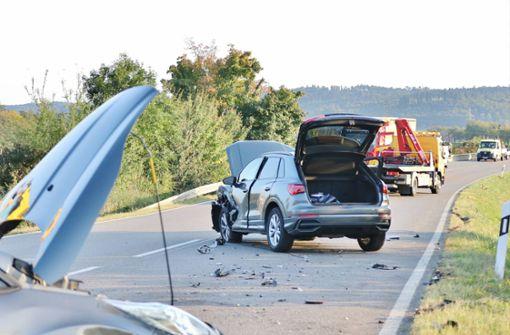 B14 nach Unfall mit vier beteiligten Autos gesperrt