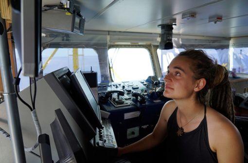 Sea Watch 3 legt an – Kapitänin festgenommen
