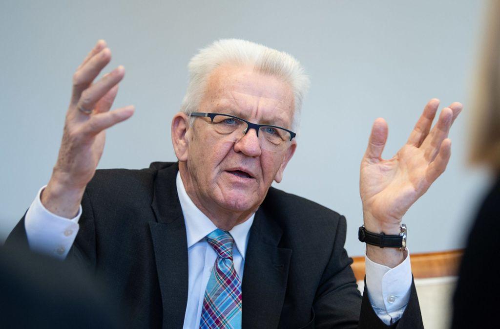 Kretschmann sagte, er wolle aber erst zum Schluss entscheiden. Foto: dpa