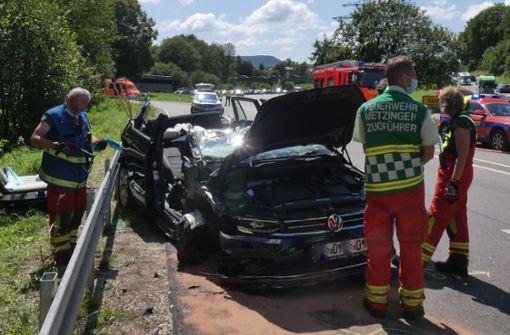 84-jährige Autofahrerin gerät in Gegenverkehr – fünf Verletzte