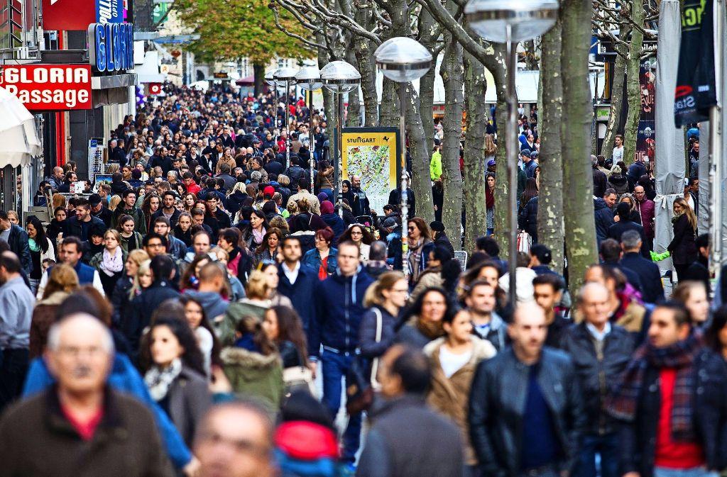 Die Innenstadt  ist  auch für viele Kunden in den Randbezirken ein Magnet. Foto: dpa