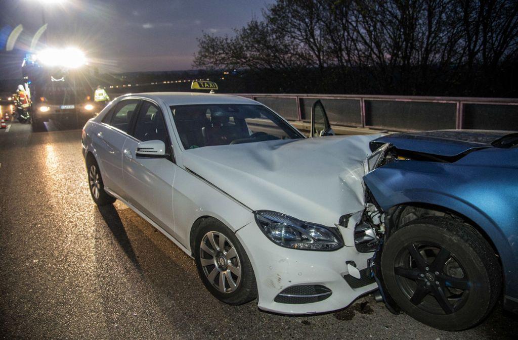 Der Schaden des Unfalls auf dem Körschtalviadukt bei Neuhausen wird auf rund 40.000 Euro geschätzt. Foto: SDMG