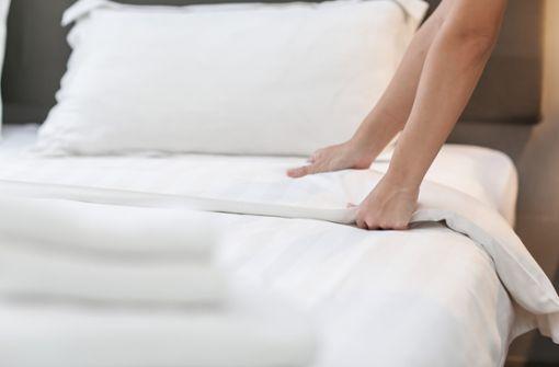 In diesem Artikel erfahren Sie, wie oft Sie Ihre Bettwäsche wechseln müssen, damit Ihr Bett frisch und sauber bleibt.
