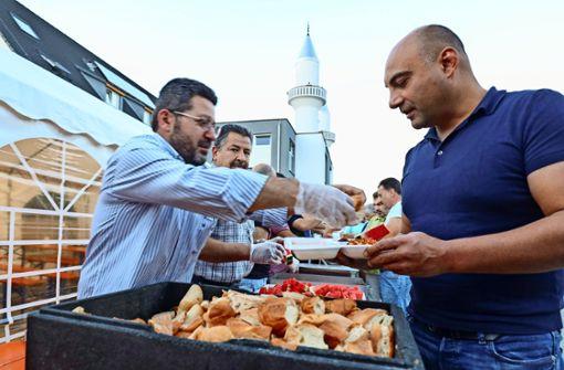 Im Ramadan  12 000 Essen verteilt