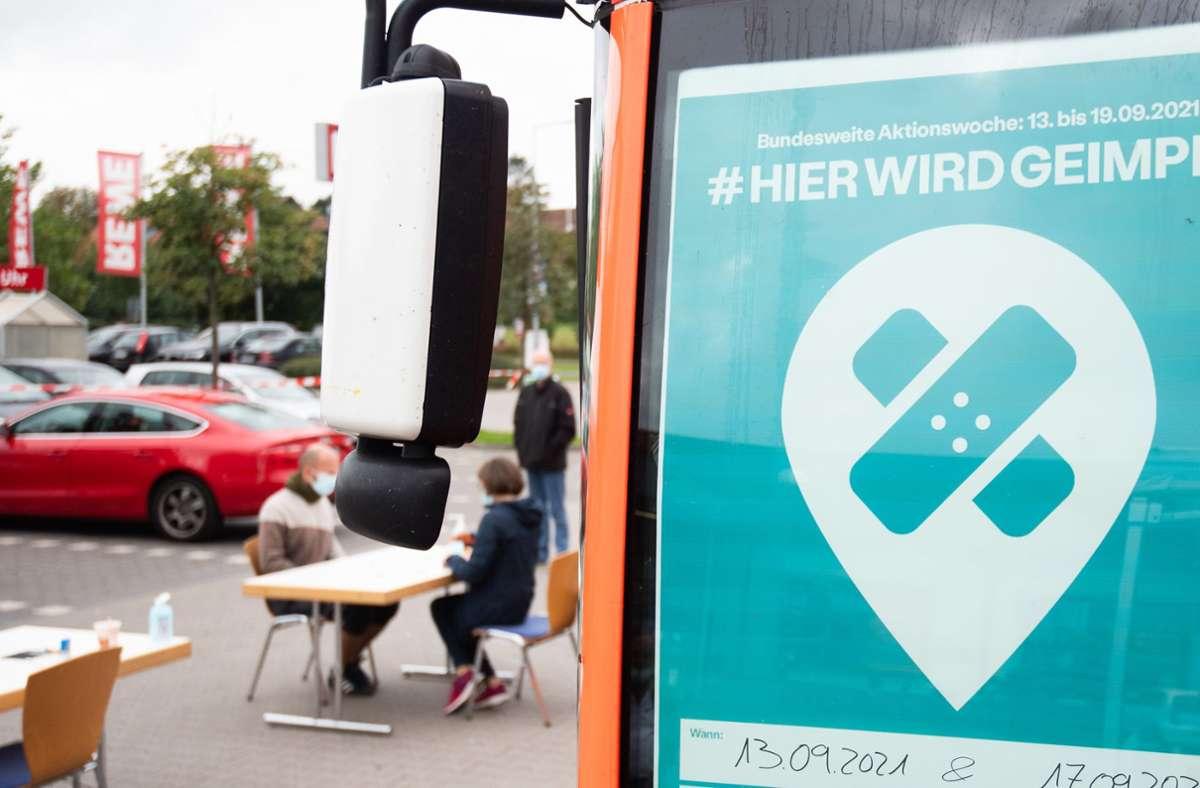 Aktuell sind über 62 Prozent der Deutschen vollständig geimpft. Foto: dpa/Julian Stratenschulte