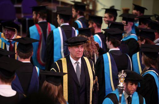 Prinz Andrew bringt Windsors in Schwierigkeiten