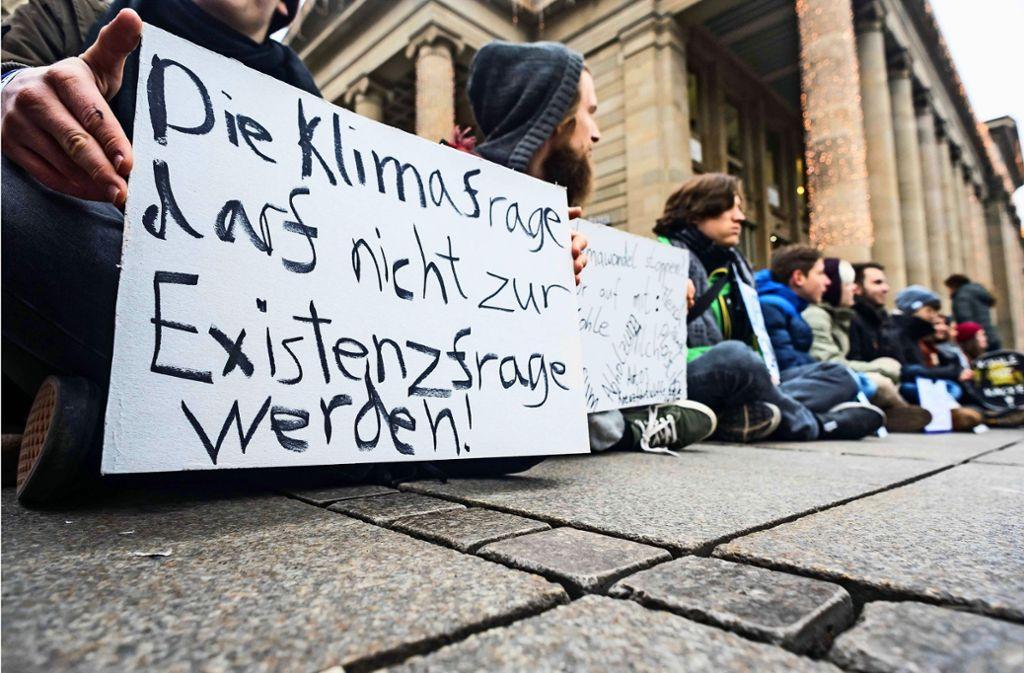 Schüler-Demo am Stuttgarter Schlossplatz im Dezember vorigen Jahres Foto: Lichtgut/Max Kovalenko