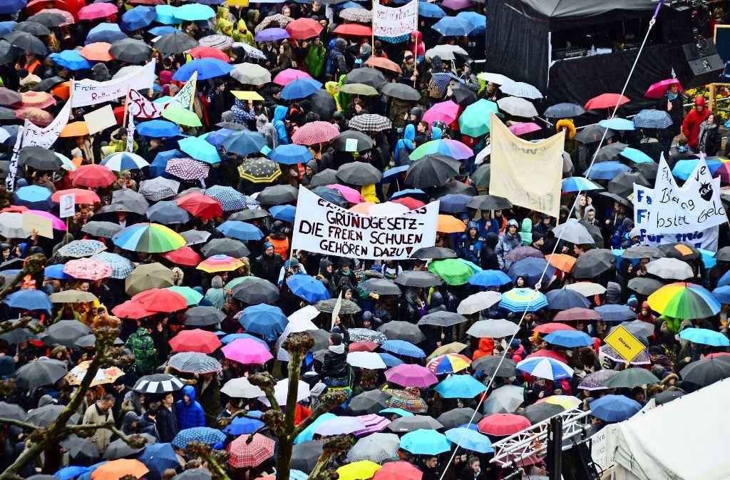 11000 Teilnehmer nahmen an der Kundgebung teil. Foto: Andreas Rosar Fotoagentur-Stuttg