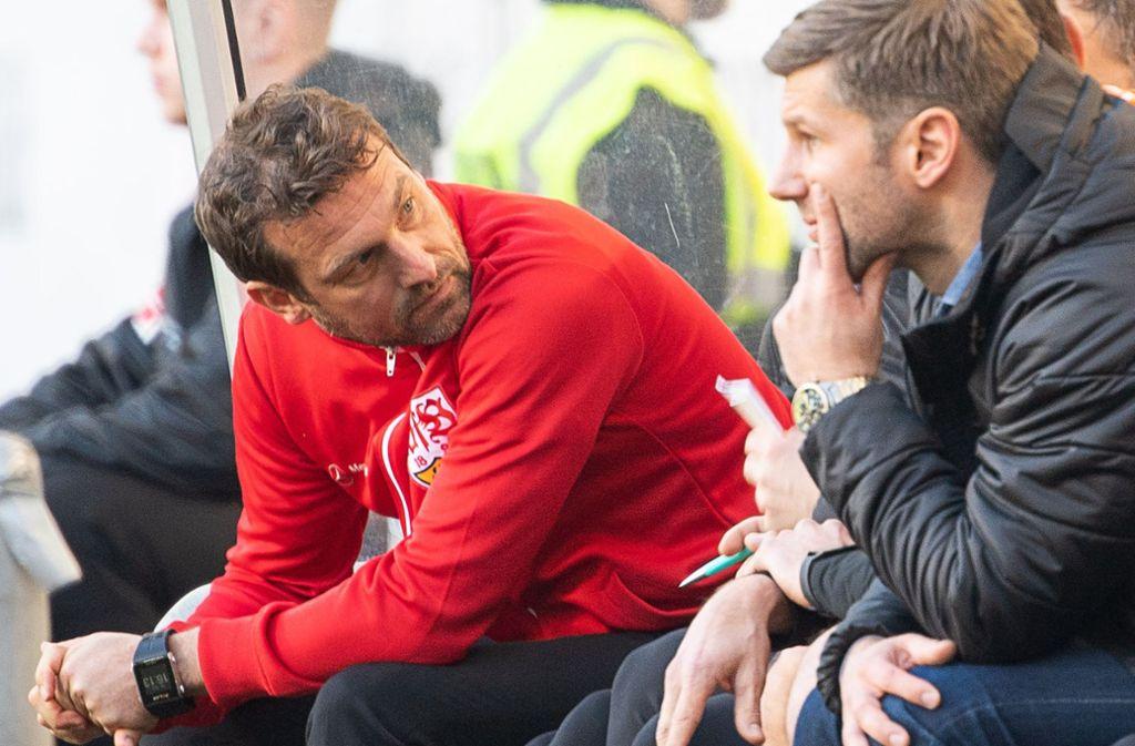 Trainer Markus Weinzierl (li.) ist Geschichte beim VfB Stuttgart, Sportvorstand Thomas Hitzlsperger (re.) setzt nun auf Nico Willig? Foto: dpa