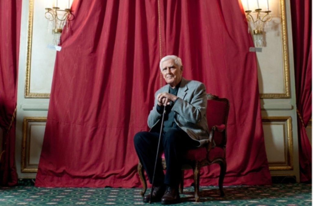 Der Tod von Joachim Fuchsberger hat in Deutschland große Bestürzung ausgelöst. Auch die Prominenz aus dem Showbusiness und der Politik trauert um den großen Entertainer.  Foto: dpa