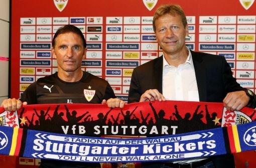 VfB gegen Kickers - wenn Spieler Rot und Blau tragen