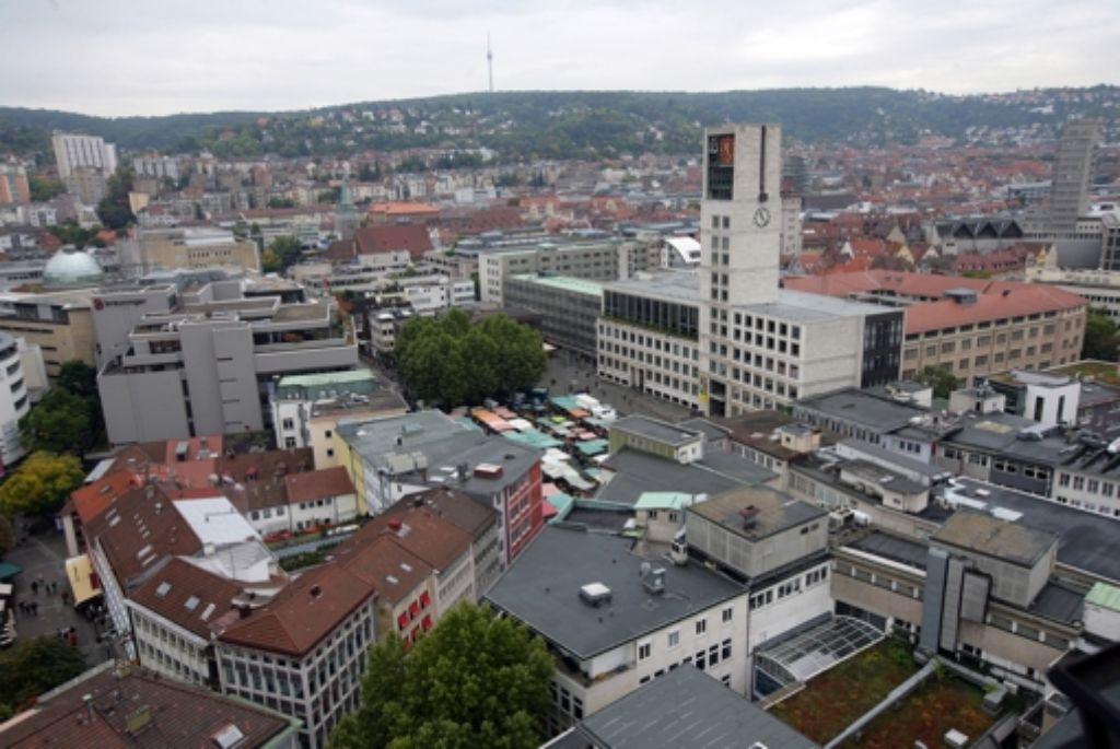 Im Stuttgarter Rathaus laden die Bezirksbeiräte am 9. Februar zu einer öffentlichen Sitzung. Foto: Steinert