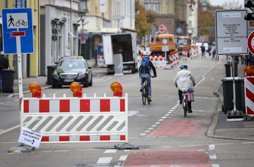 Wieder werden die Autos aus der Schillerstraße ausgesperrt
