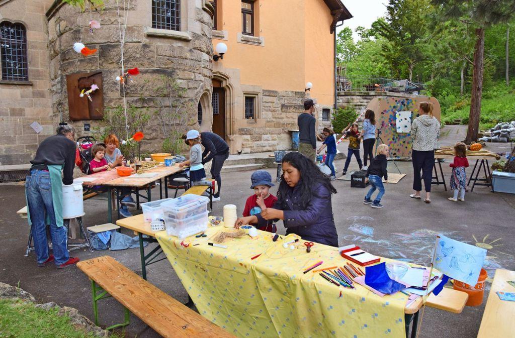 Im und rund um das Werkstatthaus ging am Freitag die KinderKunstTour der Jugendhäuser zu Ende. Foto: Petra Mostbacher-Dix