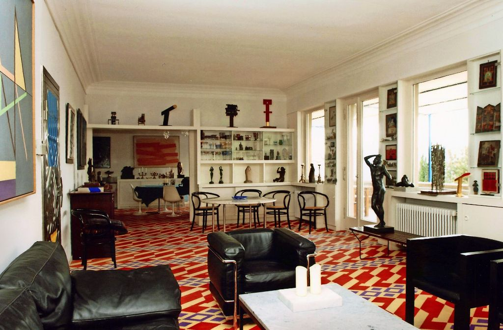 Ein Blick in die Hajek-Villa, wie sie früher war. Der markante Teppichboden ist beseitigt, die Möbel und Kunstwerke sind auch entfernt. Foto: Robert Thiele
