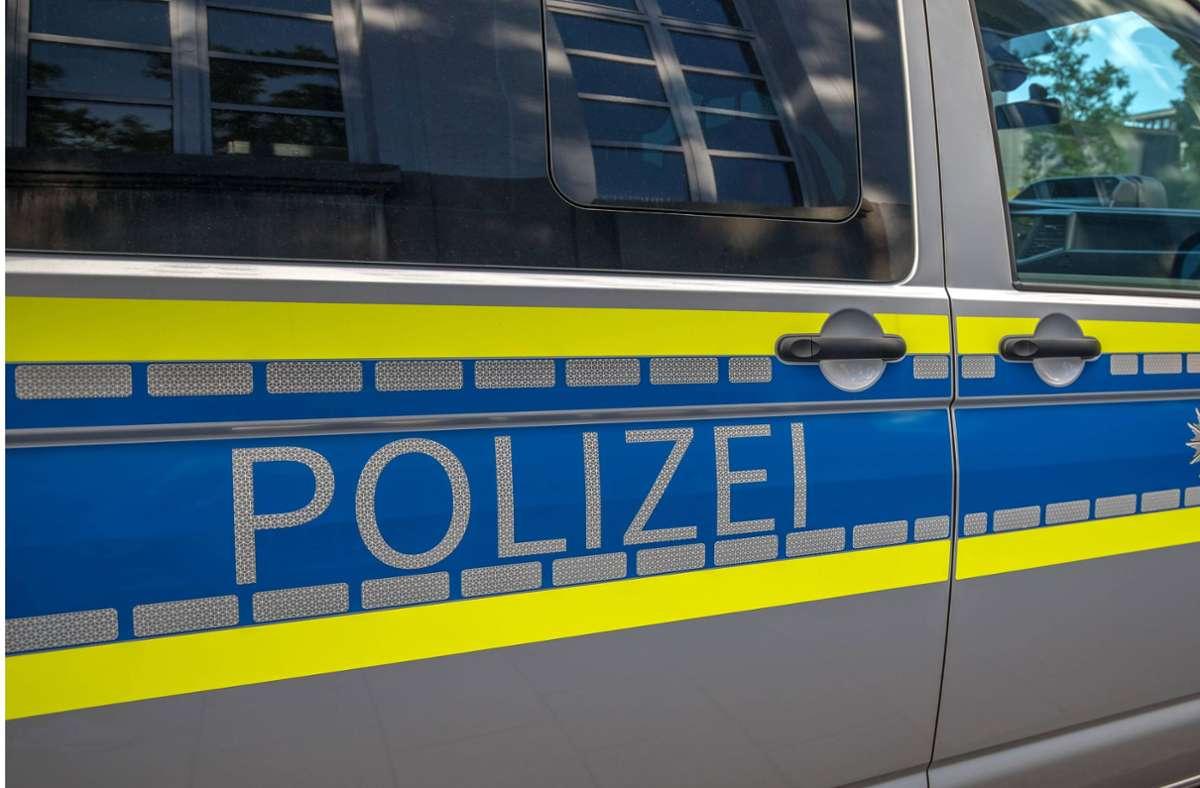 Die Polizei nahm den mutmaßlichen Angreifer vorläufig fest (Symbolbild). Foto: imago images/Fotostand / Fritsch