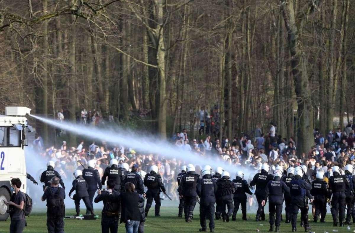 """Seit Tagen wird bereits über """"La Boum 2"""" diskutiert. Hintergrund ist, dass Anfang April ein illegales Massentreffen in dem beliebten Stadtpark Bois de la Cambre eskalierte. Foto: AFP/Walschaerts"""