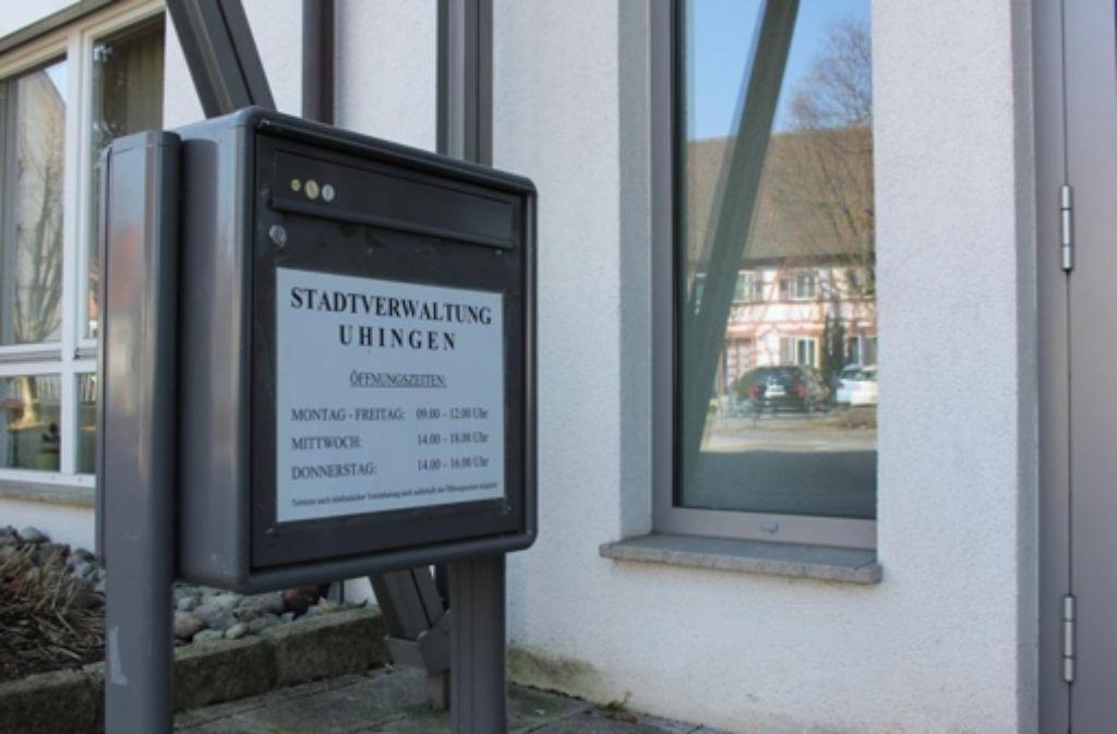 Auch in den Rathausbriefkasten können die Fragebögen eingeworfen werden. Foto: SVU